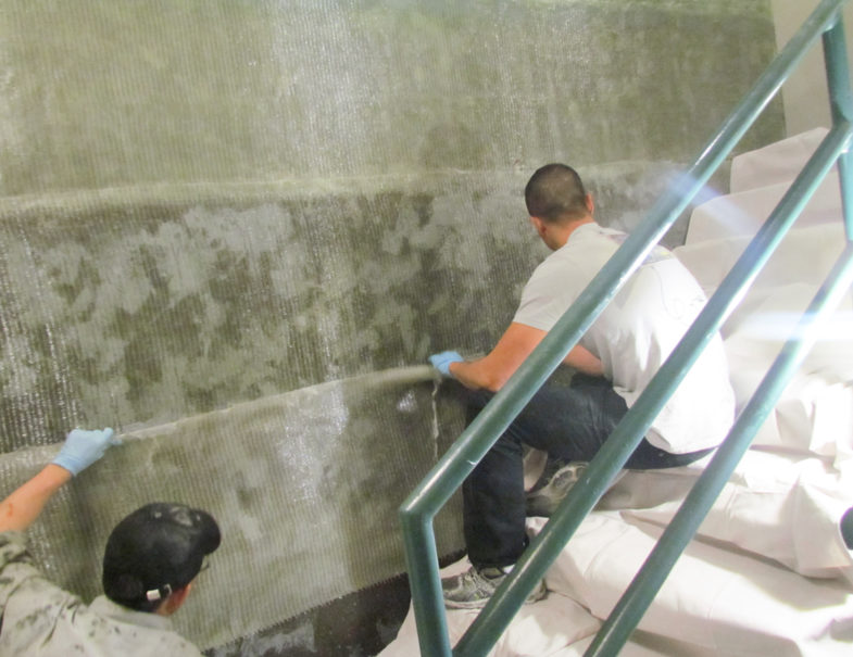 hj3 applying glass fiber on to prepared wall